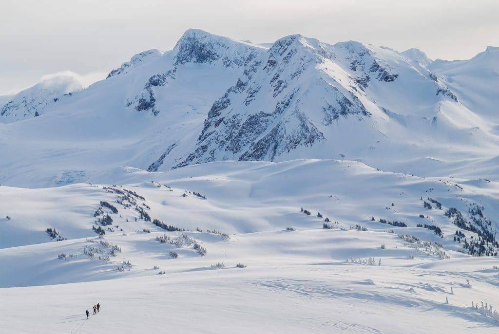 Skiing across Musical Bumps towards Russet Lake and Kees and Claire Hut